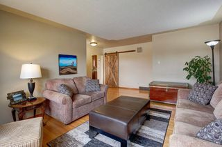 Photo 5: 731 45 Street SW in Calgary: Westgate Detached for sale : MLS®# A1092101