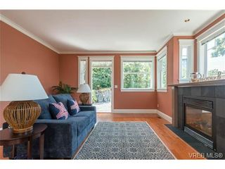 Photo 10: 1971 Fairfield Rd in VICTORIA: Vi Fairfield East House for sale (Victoria)  : MLS®# 731536