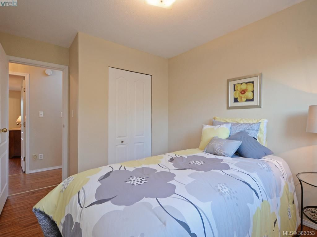 Photo 14: Photos: 11 Quincy St in VICTORIA: VR Hospital House for sale (View Royal)  : MLS®# 775790