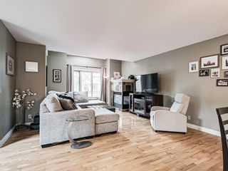 Photo 3: 4339 2 Street NW in Calgary: Highland Park Semi Detached for sale : MLS®# A1092549