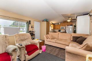 """Photo 5: 24 62790 FLOOD HOPE Road in Hope: Hope Center Manufactured Home for sale in """"SILVER RIDGE ESTATES"""" : MLS®# R2602914"""