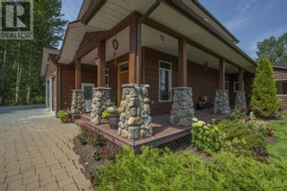 Photo 2: 25890 FIELD ROAD in Prince George: House for sale : MLS®# R2602085
