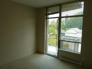 "Photo 14: 402 570 18TH Street in West Vancouver: Ambleside Condo for sale in ""WENTWORTH"" : MLS®# R2194488"