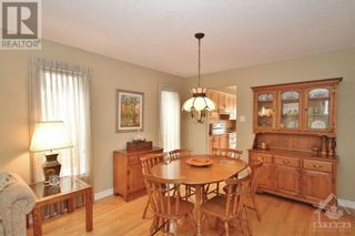Photo 6: 52 OLDE TOWNE AVENUE in Russell: House for sale : MLS®# 1264483