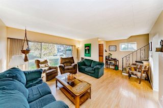 Photo 1: 4895 MOSS STREET in Vancouver: Collingwood VE House for sale (Vancouver East)  : MLS®# R2425169