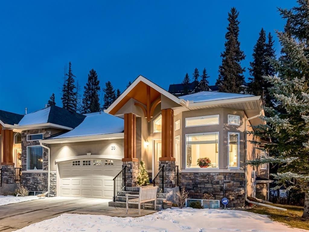 Main Photo: 30 DISCOVERY RIDGE Lane SW in Calgary: Discovery Ridge Semi Detached for sale : MLS®# A1038532