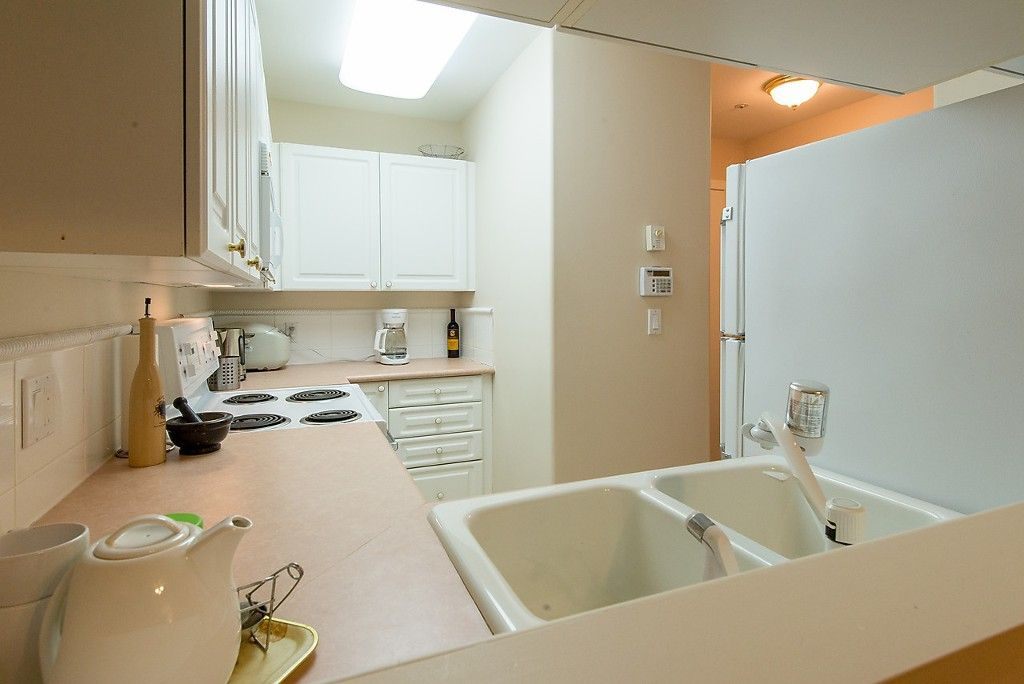 """Photo 19: Photos: 109 5788 VINE Street in Vancouver: Kerrisdale Condo for sale in """"THE VINEYARD"""" (Vancouver West)  : MLS®# V1095219"""