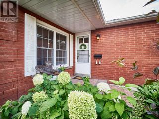 Photo 2: 18 LINDEN LANE in Whitchurch-Stouffville: House for sale : MLS®# N5400142