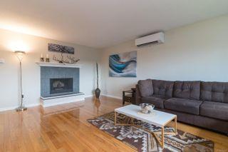 Photo 4: 978 Darwin Ave in : SE Swan Lake House for sale (Saanich East)  : MLS®# 876417