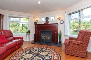 Photo 6: 4 1083 Tillicum Rd in : Es Kinsmen Park Condo for sale (Esquimalt)  : MLS®# 851611