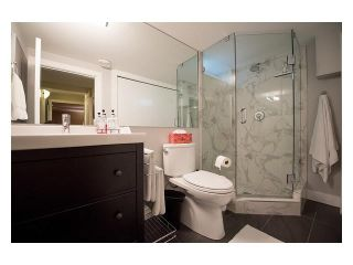 """Photo 15: 4687 HOSKINS Road in North Vancouver: Lynn Valley Townhouse for sale in """"Yorkwood Hills"""" : MLS®# V1130189"""
