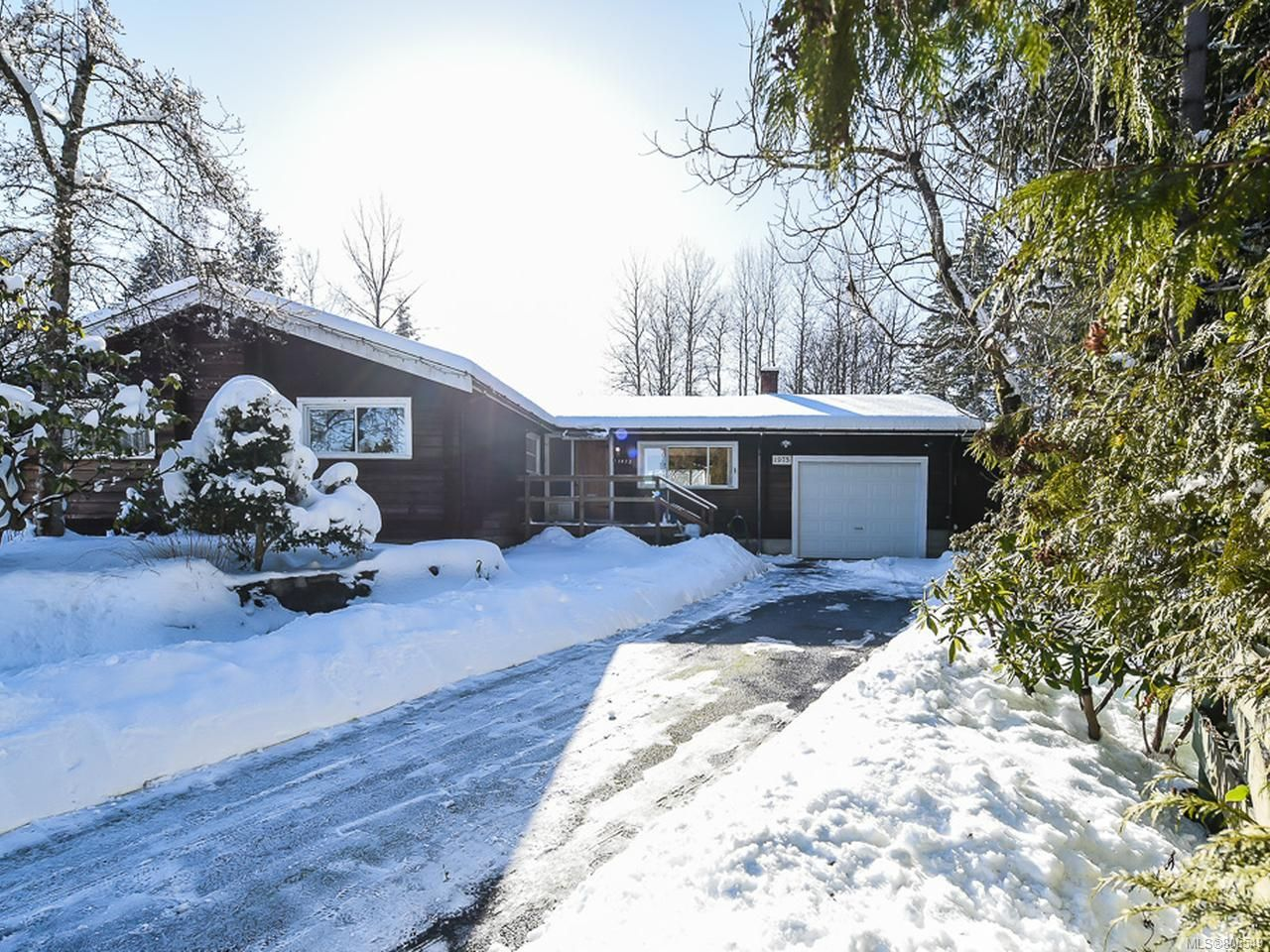 Main Photo: 1975 DOGWOOD DRIVE in COURTENAY: CV Courtenay City House for sale (Comox Valley)  : MLS®# 806549