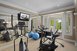 """Photo 29: 14342 SUNSET Drive: White Rock House for sale in """"White Rock Beach"""" (South Surrey White Rock)  : MLS®# R2560291"""