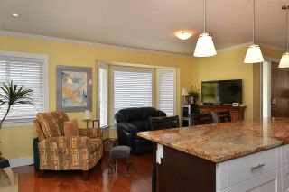 Photo 4: 758 DOGWOOD Road in Gibsons: Gibsons & Area House for sale (Sunshine Coast)  : MLS®# R2151093