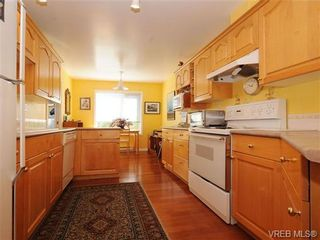 Photo 12: 201 9905 Fifth St in SIDNEY: Si Sidney North-East Condo for sale (Sidney)  : MLS®# 682484