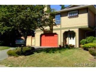 Photo 1: 1010 Colville Rd in VICTORIA: Es Old Esquimalt Half Duplex for sale (Esquimalt)  : MLS®# 482030