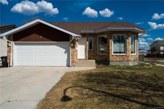 Main Photo: 2 Clerkenwell Bay in Winnipeg: River Park South Residential for sale (2F)  : MLS®# 1811508