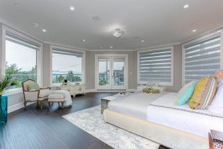 """Photo 23: 15765 PACIFIC Avenue: White Rock House for sale in """"White Rock"""" (South Surrey White Rock)  : MLS®# R2582579"""