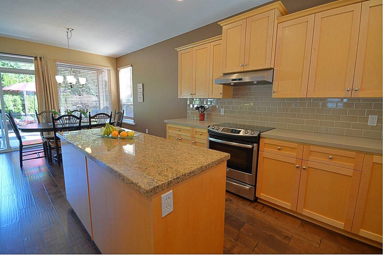 """Photo 11: Photos: 3087 MOSS Court in Coquitlam: Westwood Plateau House for sale in """"WESTWOOD PLATEAU"""" : MLS®# R2154481"""