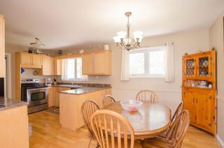 Photo 8: 151 McCaughan Road in St Francis Xavier: Rosser / Meadows / St. Francois Xavier Single Family Detached for sale : MLS®# 1425476