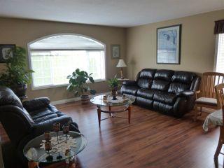 Photo 2: 6382 SELKIRK Street in Sardis: Sardis West Vedder Rd House for sale : MLS®# R2123260