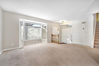Photo 6: 123 Edgewood Drive NW in Calgary: Edgemont Detached for sale : MLS®# A1070079