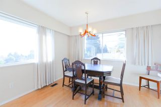 """Photo 7: 542 AMESS Street in New Westminster: The Heights NW House for sale in """"THE HEIGHTS"""" : MLS®# R2315958"""