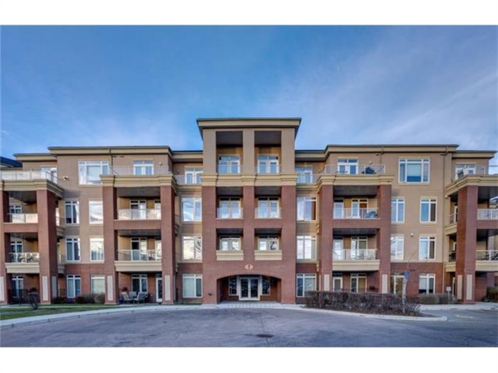 Main Photo: 208 8 Hemlock Crescent SW in Calgary: Spruce Cliff Apartment for sale : MLS®# A1147989