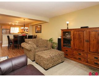 """Photo 3: 35 6651 203RD Street in Langley: Willoughby Heights Townhouse for sale in """"SUNSCAPE"""" : MLS®# F2833451"""