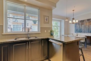 """Photo 9: 3 3025 BAIRD Road in North Vancouver: Lynn Valley Townhouse for sale in """"Vicinity"""" : MLS®# R2315112"""