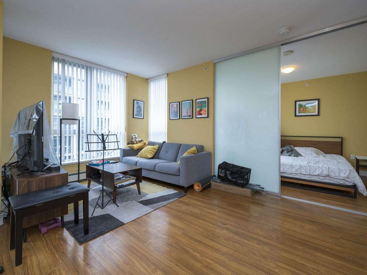 """Main Photo: 1005 1833 CROWE Street in Vancouver: False Creek Condo for sale in """"THE FOUNDRY"""" (Vancouver West)  : MLS®# R2555513"""