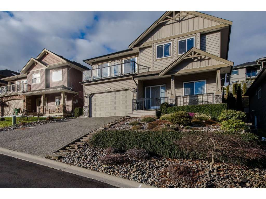 Main Photo: 45971 WEEDEN Drive in Sardis: Promontory House for sale : MLS®# R2334771