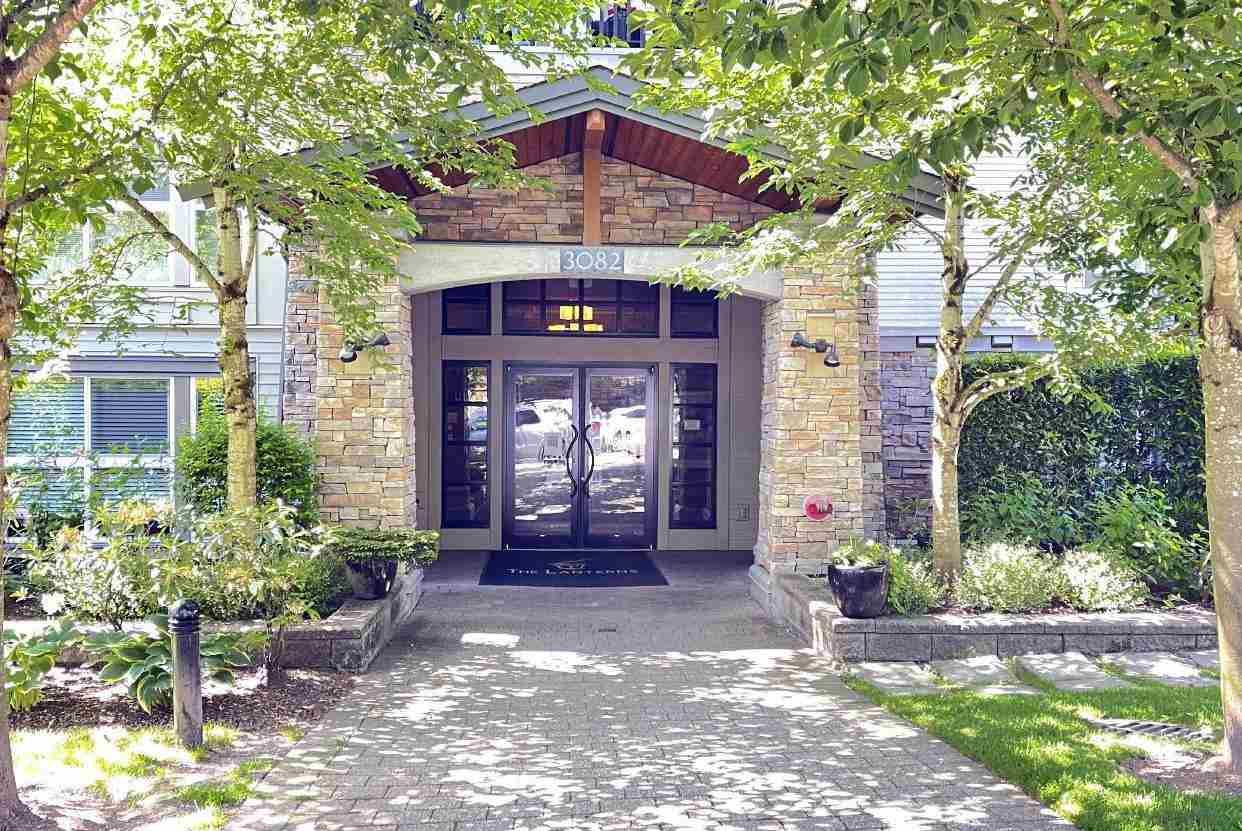 """Main Photo: 202 3082 DAYANEE SPRINGS Boulevard in Coquitlam: Westwood Plateau Condo for sale in """"The Lanterns"""" : MLS®# R2589726"""