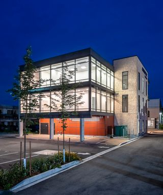 Photo 6: 100 11770 FRASER STREET in Maple Ridge: East Central Office for lease : MLS®# C8039775