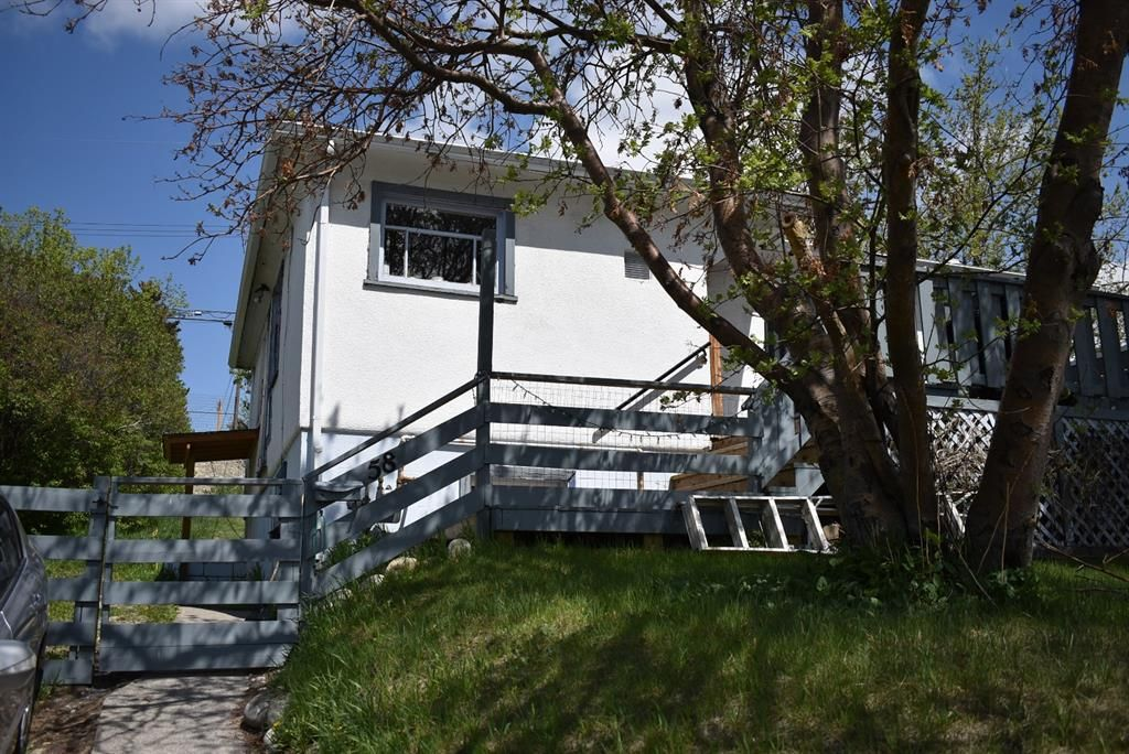 Photo 3: Photos: 58 Mission Road SW in Calgary: Parkhill Detached for sale : MLS®# A1110615