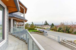 """Photo 25: 15765 PACIFIC Avenue: White Rock House for sale in """"White Rock"""" (South Surrey White Rock)  : MLS®# R2582579"""