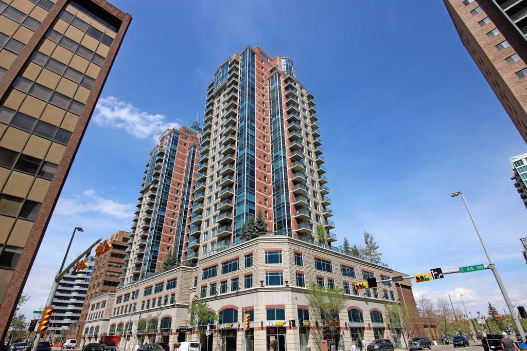 Main Photo: 2306 910 5 Avenue SW in Calgary: Downtown Commercial Core Apartment for sale : MLS®# A1061509