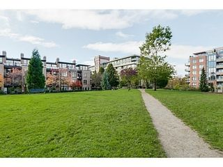 Photo 14: 302 2175 SALAL Drive in Vancouver West: Home for sale : MLS®# V1102968