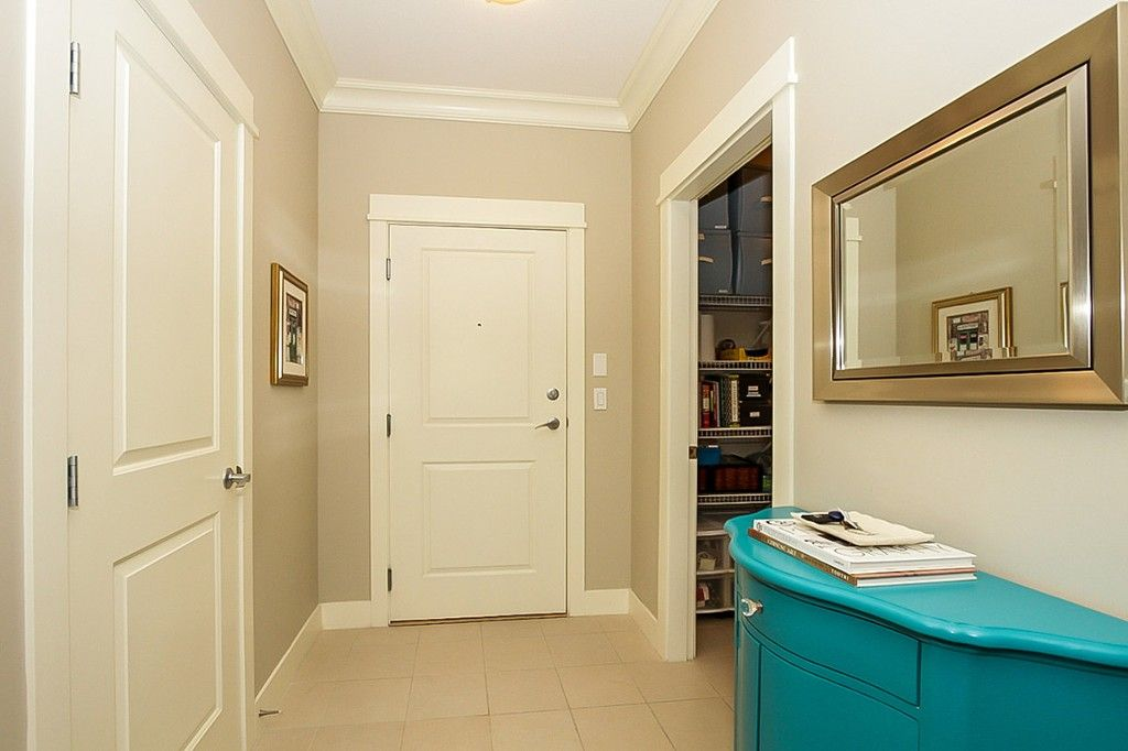 """Photo 8: Photos: 210 5430 201 Street in Langley: Langley City Condo for sale in """"THE SONNET"""" : MLS®# F1418321"""
