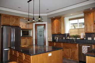 Photo 3: 21235 KETTLE VALLEY Place in Hope: Hope Kawkawa Lake House for sale : MLS®# R2352159