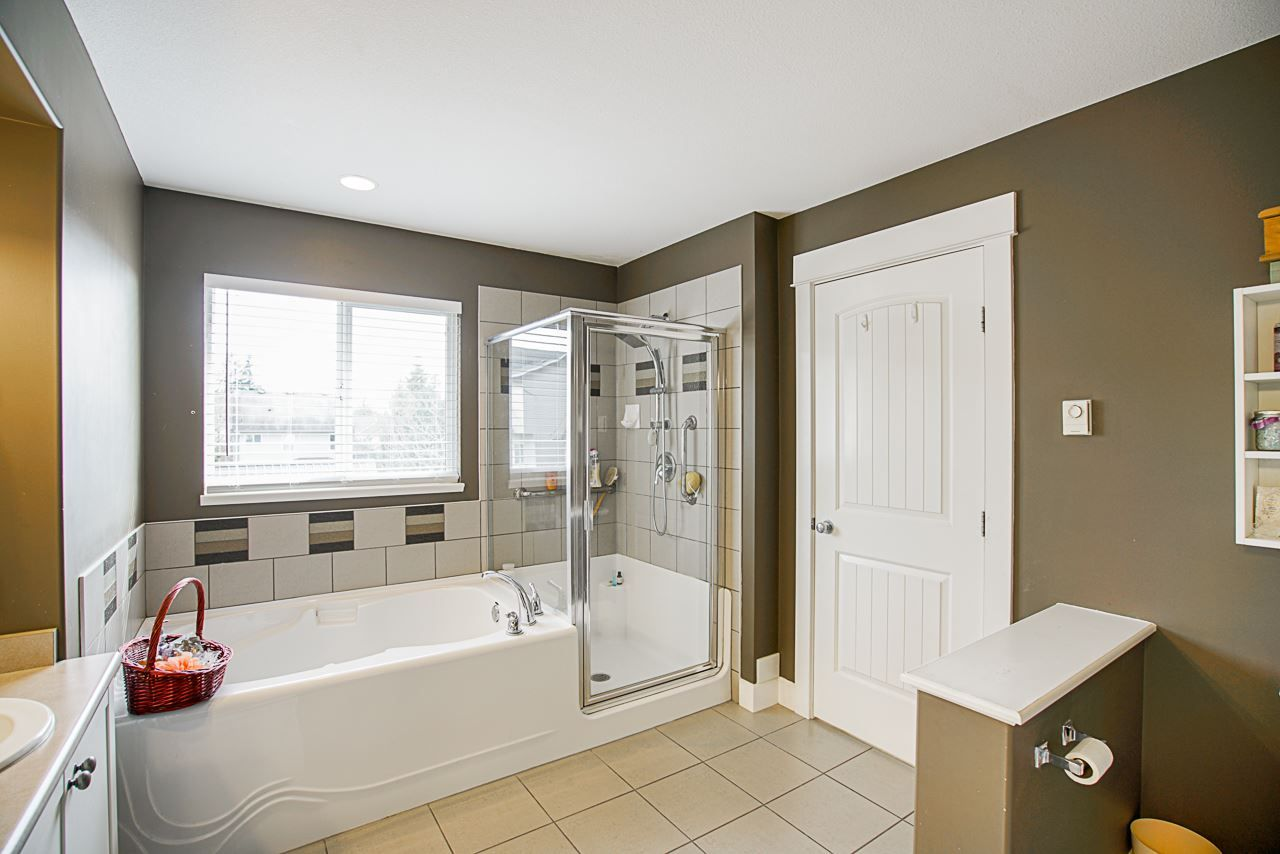 Photo 21: Photos: 6946 198A Street in Langley: Willoughby Heights House for sale : MLS®# R2553278