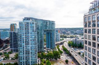 """Photo 7: 2201 950 CAMBIE Street in Vancouver: Yaletown Condo for sale in """"Pacific Place Landmark 1"""" (Vancouver West)  : MLS®# R2617691"""