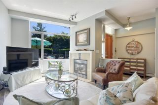 """Photo 8: 105 1383 MARINASIDE Crescent in Vancouver: Yaletown Townhouse for sale in """"COLUMBUS"""" (Vancouver West)  : MLS®# R2478306"""