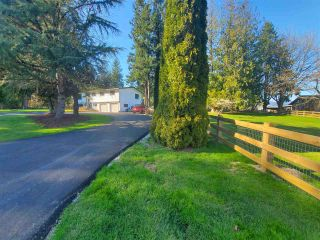 """Photo 2: 27577 84 Avenue in Langley: County Line Glen Valley House for sale in """"Glen Valley"""" : MLS®# R2575837"""