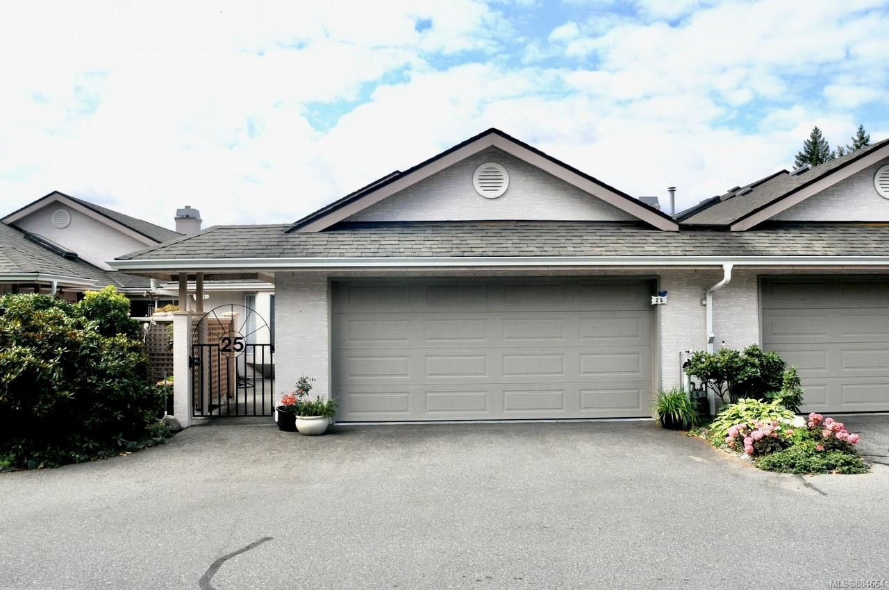 Main Photo: 25 5980 Jaynes Rd in : Du East Duncan Row/Townhouse for sale (Duncan)  : MLS®# 884664