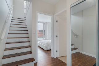 """Photo 2: TH 15 550 TAYLOR Street in Vancouver: Downtown VW Condo for sale in """"The Taylor"""" (Vancouver West)  : MLS®# R2219638"""