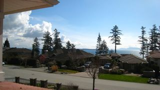 Photo 2:  in South Surrey / White Rock: Home for sale
