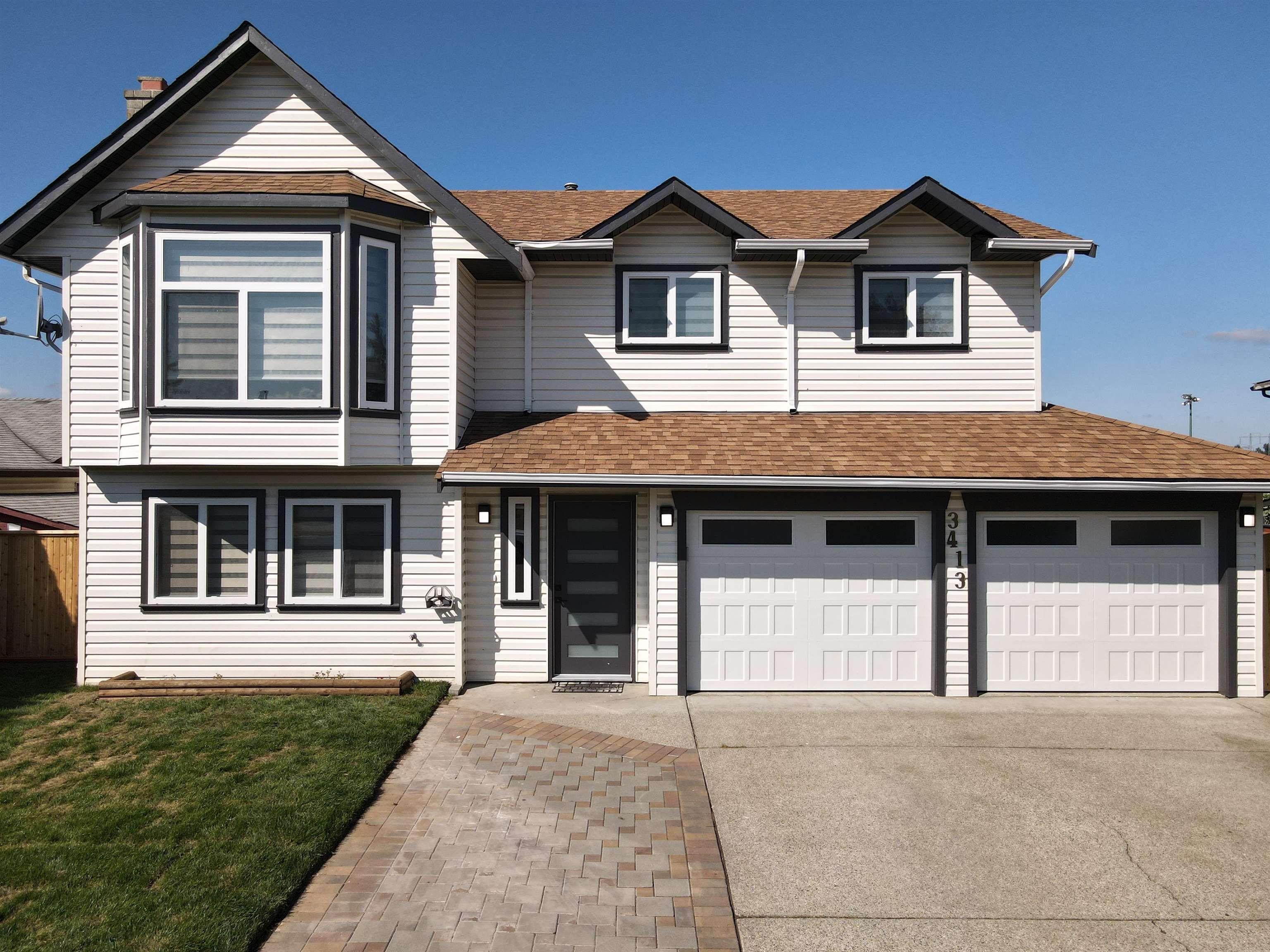 Main Photo: 3413 OKANAGAN Drive in Abbotsford: Abbotsford West House for sale : MLS®# R2613631