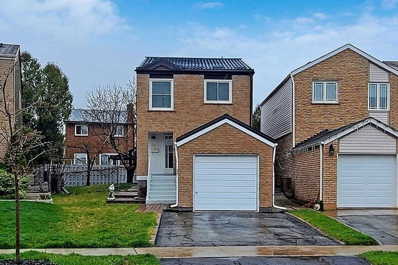 FEATURED LISTING: 19 Peachtree Place Vaughan