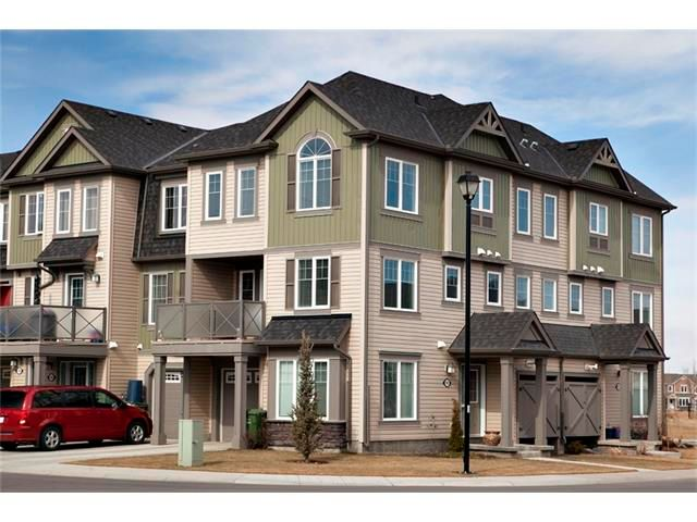 Main Photo: 100 WINDSTONE Mews SW: Airdrie House for sale : MLS®# C4055687